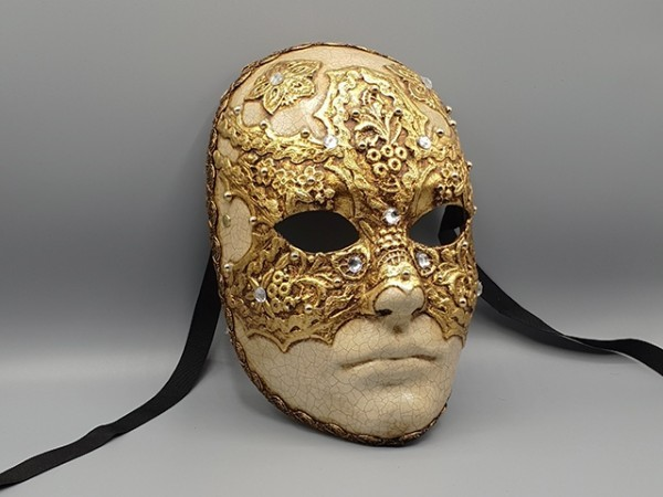 Eyes Wide Shut mask Tom Cruise