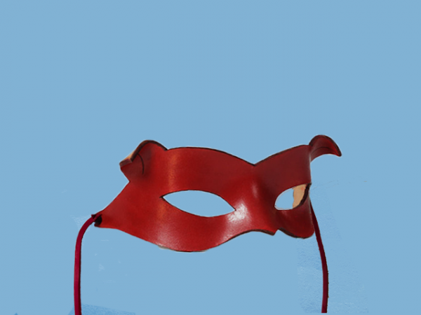 Rote Ledermaske von Catwoman